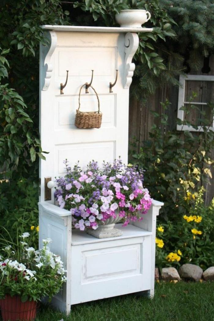 Garten Mit Alten Sachen Dekorieren – Zuhause Image Idee