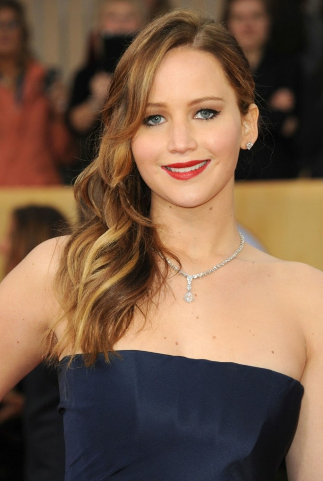 Jennifer Lawranse, side pecker, blue dress, long hairstyles, necklace, blonde highlights