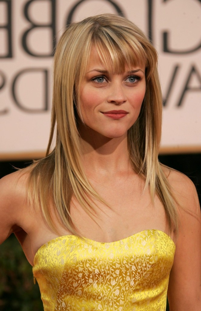 Reese Witherspoon, blonde actor with yellow dress, simple hairstyles with bangs