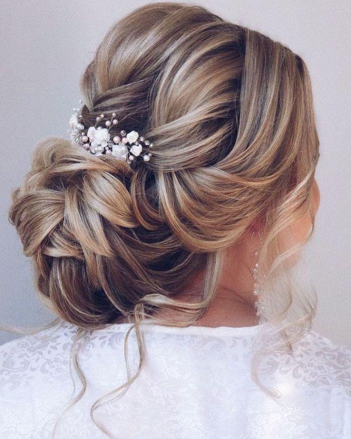 Beispiele Einer Brautfrisur Fur Mittellanges Haar Mit Weissen