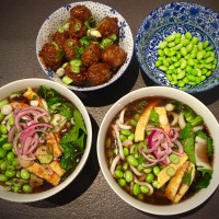 Korean Weekend: Noodle Soup, Meatballs and Stir Fried Beef