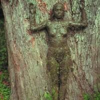 Ana Mendieta: la tierra como lienzo y el alma como instrumento