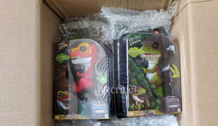 Unboxing Ripsaw and Stealth Untamed Fingerlings