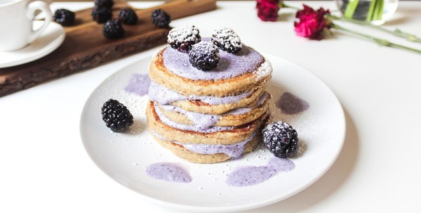 Guilt-free, easy and healthy pancake recipe perfect for breakfast or brunch. The pancakes are tasty, packed with awesome whole grains and fibers, and only take about 20 minutes to prepare. Finish the perfect dreamy pancake stack with a delicious, antioxidant- and vitamin-rich wild blueberry cream topping made with Arctic Flavors 100% natural wild blueberry powder.