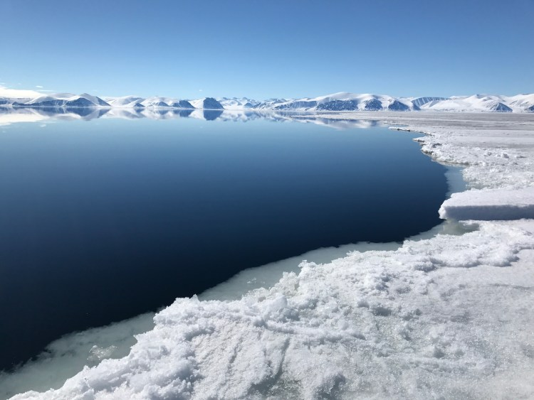 best time to visit the floe edge