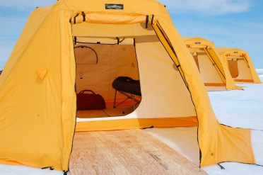 AK_Arctic_Safari_Tents_At_Ice_Camp_DSC_9487