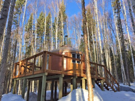 Yurt-accommodations-in-Fairbanks