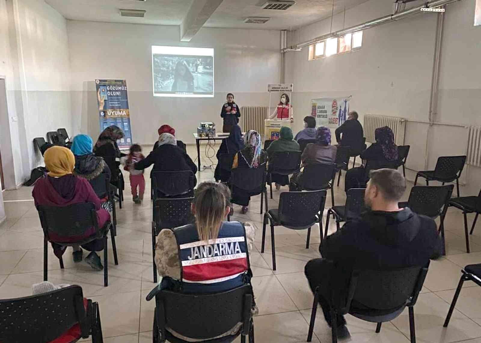 Ardahan'da 'En İyi Narkotik Polisi Anne' kampanyası başladı