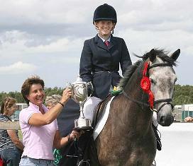 Murphy Himself prizewinner with Rachel Blackmore