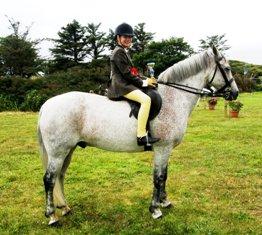 Gleann Rua Hoodwink with Ciara Connolly, under 16 Ridden winner