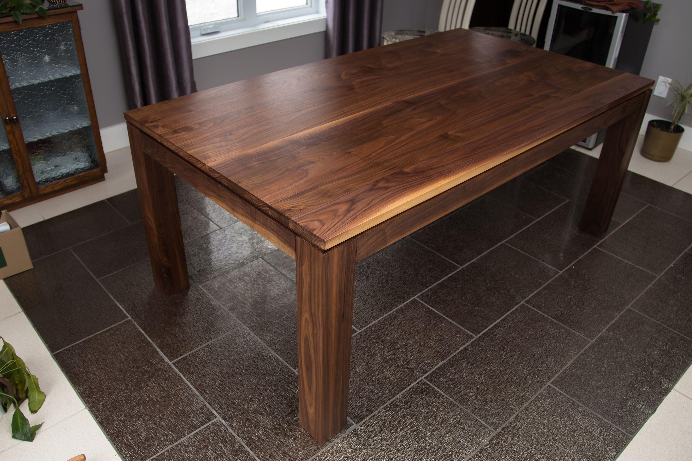 Table En Noyer Noir