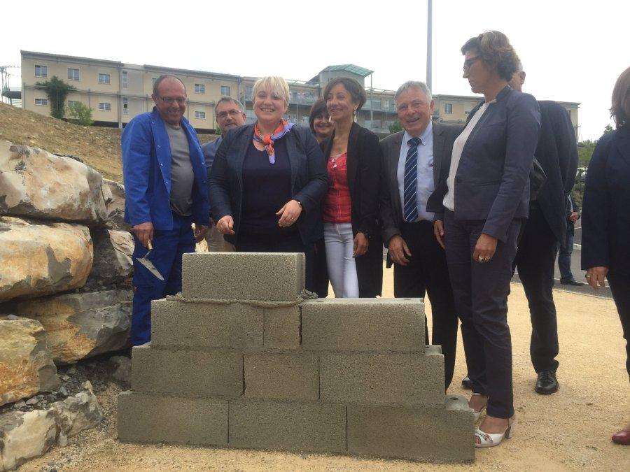 pose première pierre extension EPHAD Hôpital Villeneuve de Berg 16 06 16