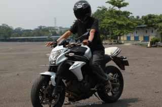 test ride kawasaki er 6n