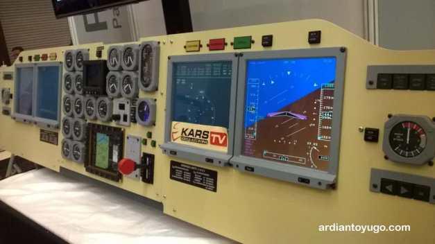Cockpit CN-235... :cool: