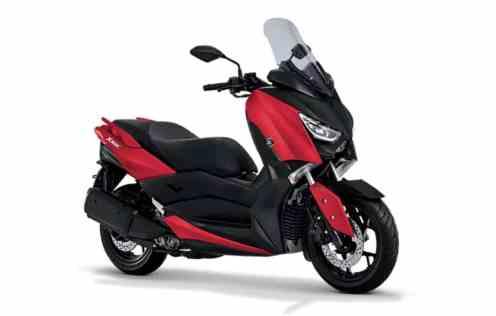 Yamaha XMax Matte Red...
