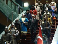 Σκιώδης κυβέρνηση στο λευκό παλάτι του Ερντογάν