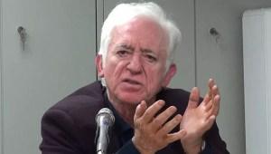 """Γιώργος Καραμπελιάς – """"Οι ευθύνες του πολιτικού συστήματος για τα φαινόμενα  διάλυσης στις πλατείες"""" (ΒΙΝΤΕΟ)"""