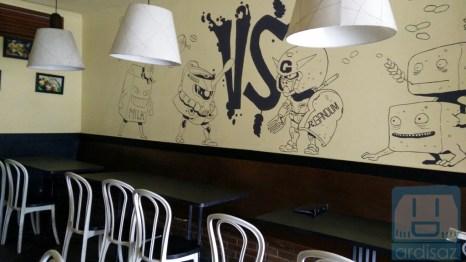 Bagian Dalam Kafe Anjis dan Roti Gempol