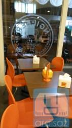 Suasana Ngileer Cafe BSD dari dalam 2