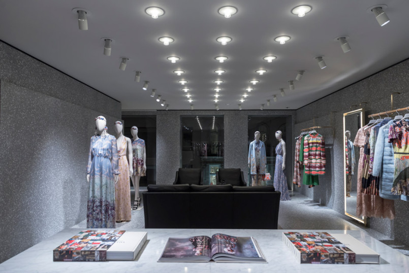 Area-Retail_Valentino_Flagship-Boutique_David-Chipperfield_London_201602_05