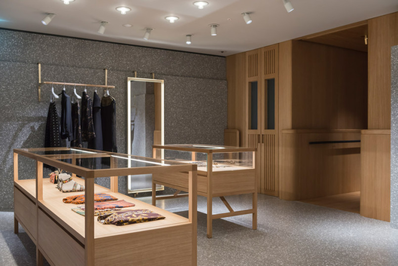 Area-Retail_Valentino_Flagship-Boutique_David-Chipperfield_London_201602_07