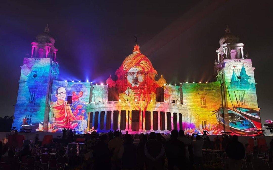 La Serie Crimson de proyectores láser de Christie ilumina el Victoria Memorial con unos fabulosos visuales en honor de un héroe nacional