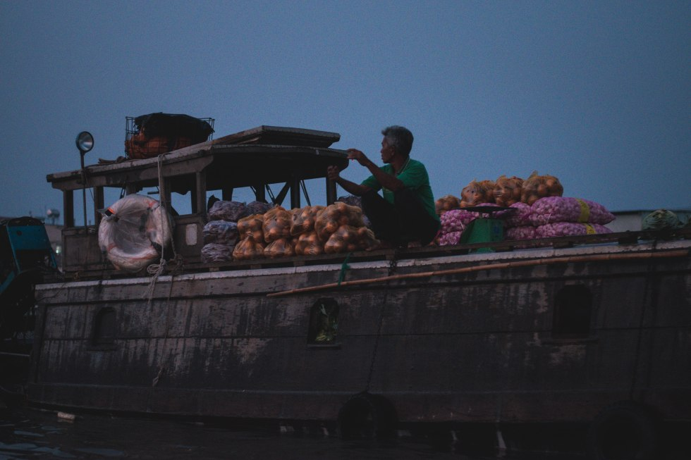 Can Tho Floating Market Tour