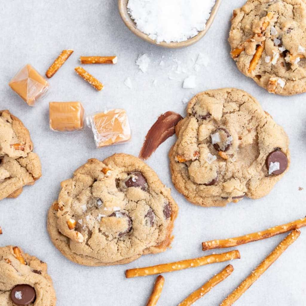 chocolate chip cookies with caramels and pretzels