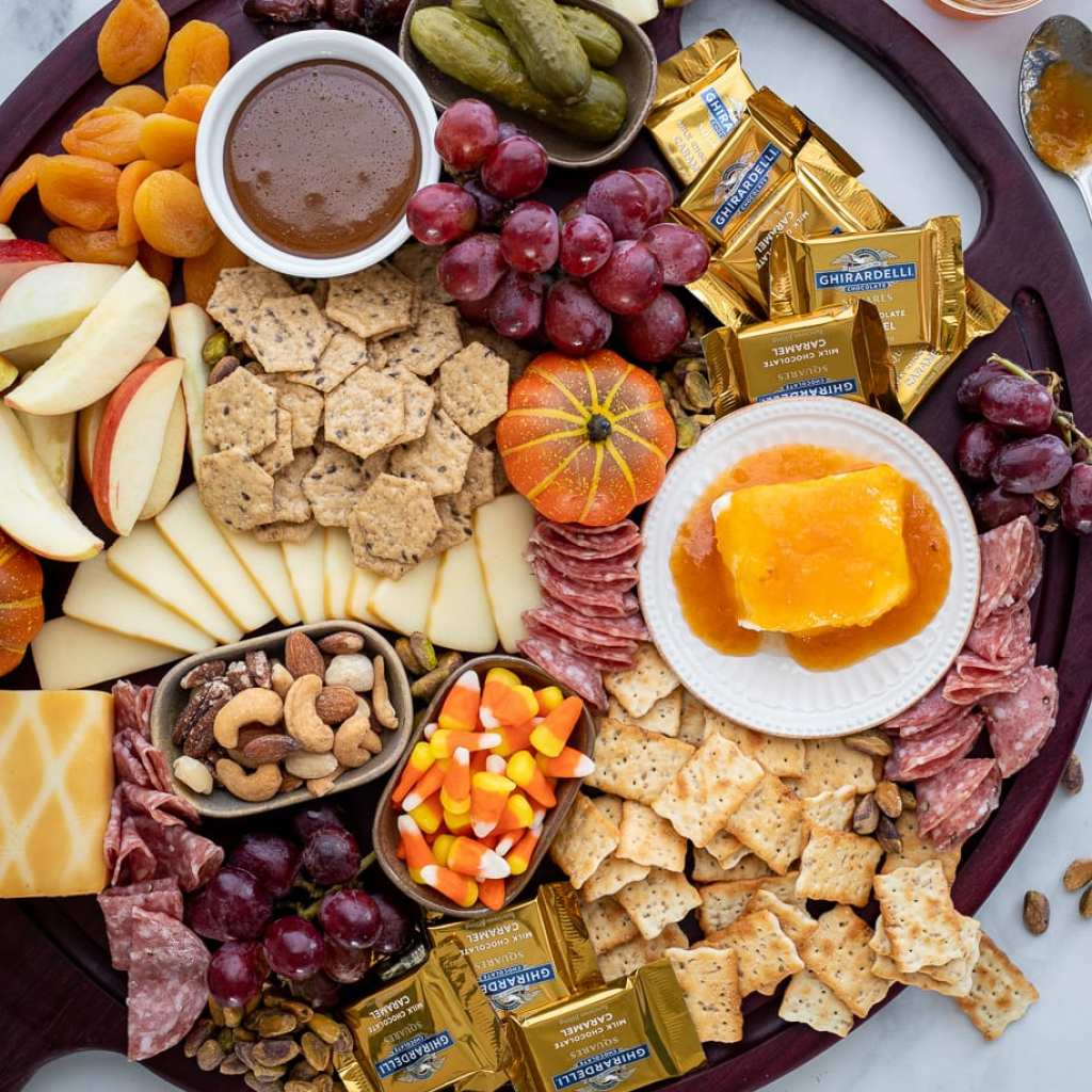 simple fall themed charcuterie board