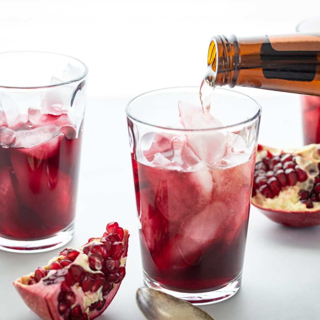 Simple Vanilla Pomegranate Fizz in clear glass cups