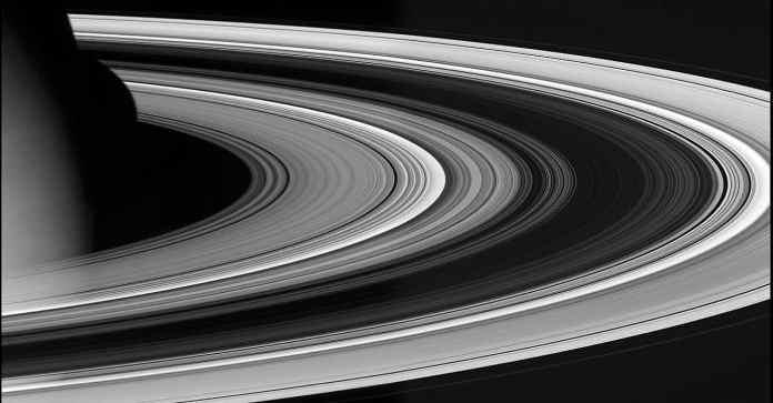 Reveals secret of Saturn's Rings