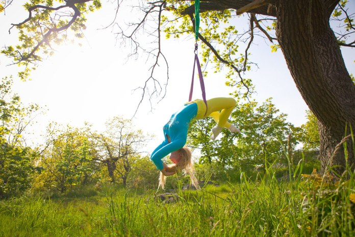 spinonews Anti-gravity yoga
