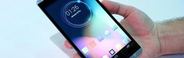CES 2014: Hisense X1, un smartphone cu ecran de 6.8 inch