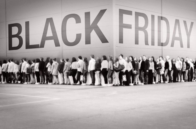 Black Friday la evoMAG - toată luna noiembrie