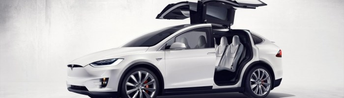 Tesla a lansat Model X