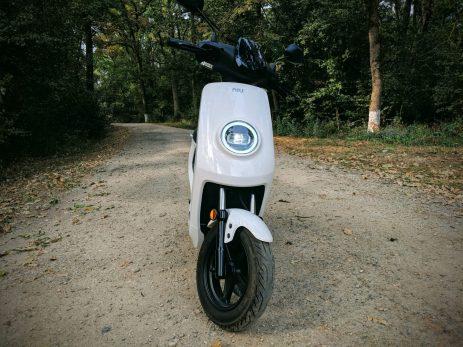 NIU-M1-Pro-Scuter-Electric-Review (7)