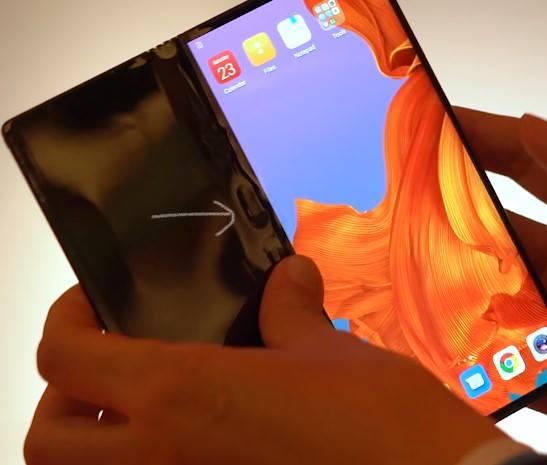 Huawei a lansat Mate X - primul lor telefon pliabil