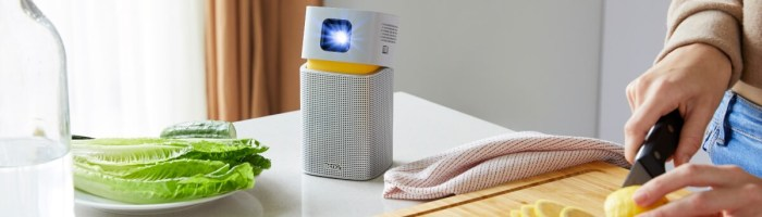 BenQ GV1 - proiector de buzunar pe care il conectezi la telefon