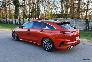Kia-ProCeed-GT-review (3)