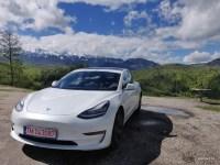 Panasonic a dezoltat noi baterii pentru Tesla cu 20% mai eficiente