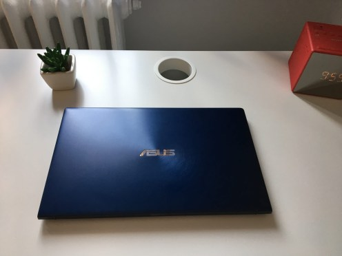 ASUS ULTRABOOK SCREENPAD (1)