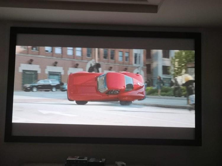 BenQ W1720 - proiectorul de 1300 euro care iti aduce experienta cinematografica acasa