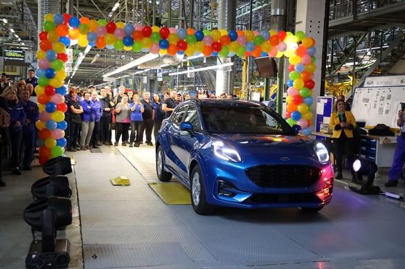 Primul automobil hibrid produs in Romania: Ford Puma