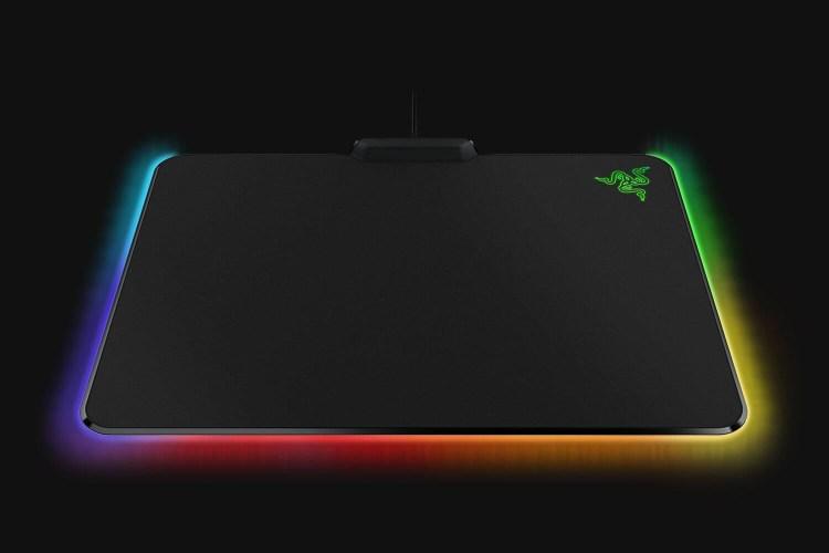 Razer Firefly V2 - mousepad cu iluminare RGB