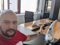 Google Pixel 3a XL selfie interior lumina artificiala4