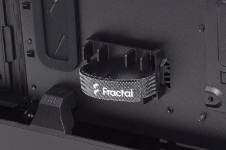 Review Fractal Design Define 7 - una dintre cele mai bune carcase mid-tower de pe piață