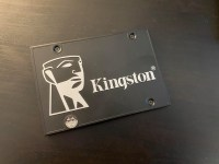 Review Kingston KC600 1TB – mai merita un SSD SATA?
