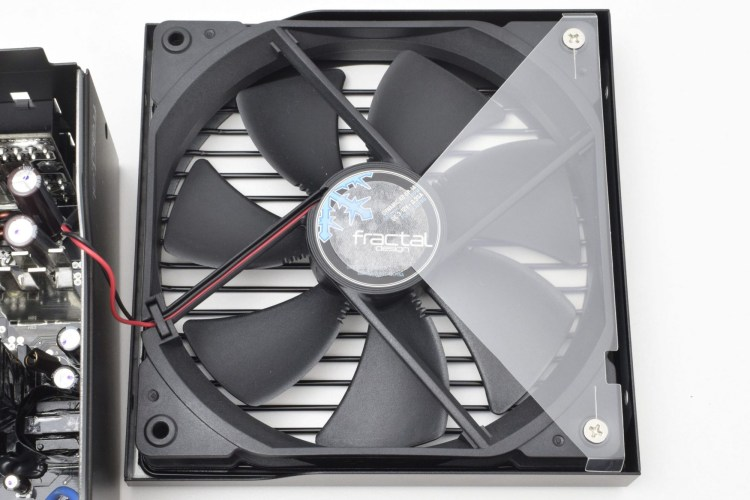 Review sursă Fractal Design Ion+ 760P