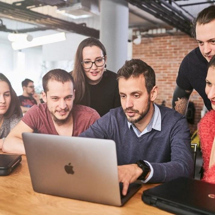 Studiu: Unde trăiești mai bine cu un salariu de programator în Europa?