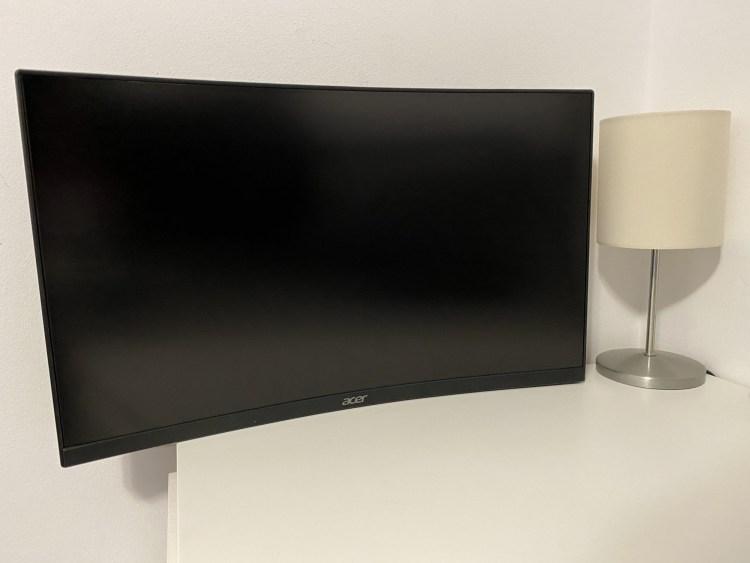 Review Acer Nitro EI242QR - monitor de gaming ieftin si neasteptat de bun